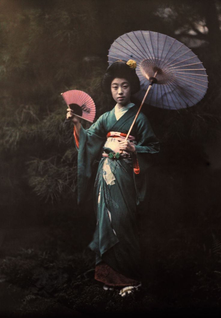 A Geisha girl poses in her kimono, Kyoto, June 1927 by Franklin Price Knott / National Geographic