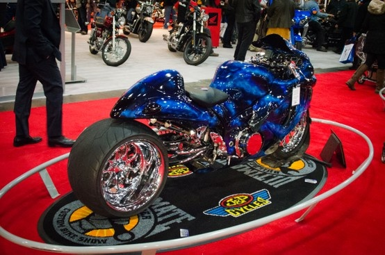 you gotta have a stretched and slammed custom suzuki hayabusa in a custom bike show right j. Black Bedroom Furniture Sets. Home Design Ideas
