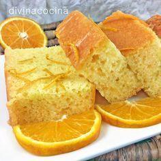 Esta receta de bizcocho de naranja es muy fácil y proviene de un recetario antiguo del Aljarafe sevillano.