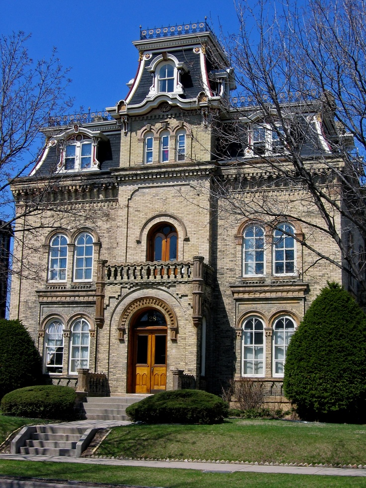 17 best ideas about creepy old houses on pinterest for Keenan house