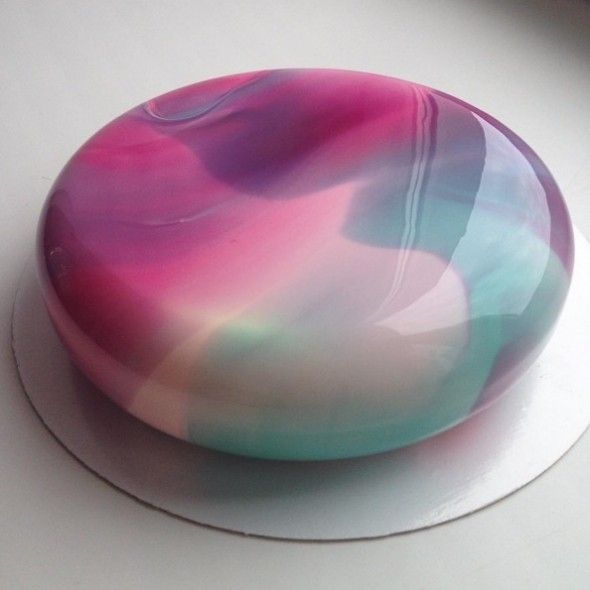 These mirror glazed cakes look almost too good to eat for Mirror glaze