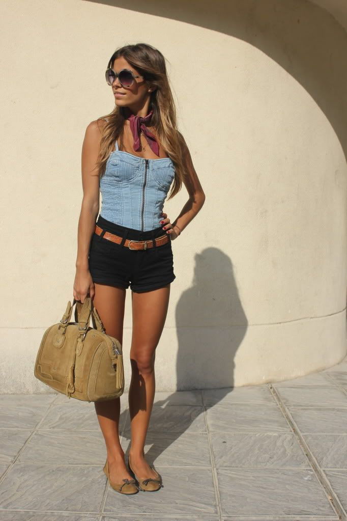 denim bustier on denimBlack Shorts, Denim Jeans, Summer Style, Street Style, Outfit Seam, Black Jeans Shorts, Jeans Tops, Denim Top, Denim Shorts