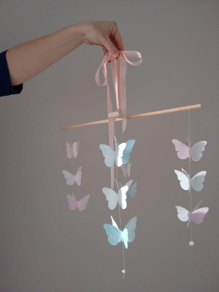 Decorazione di farfalle da appendere sopra la culla  #diy #kidroom #homedecor #butterfly