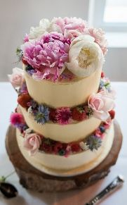Buttercream wedding cake. Loren Brand Cakes, St Andrews, Fife, Scotland