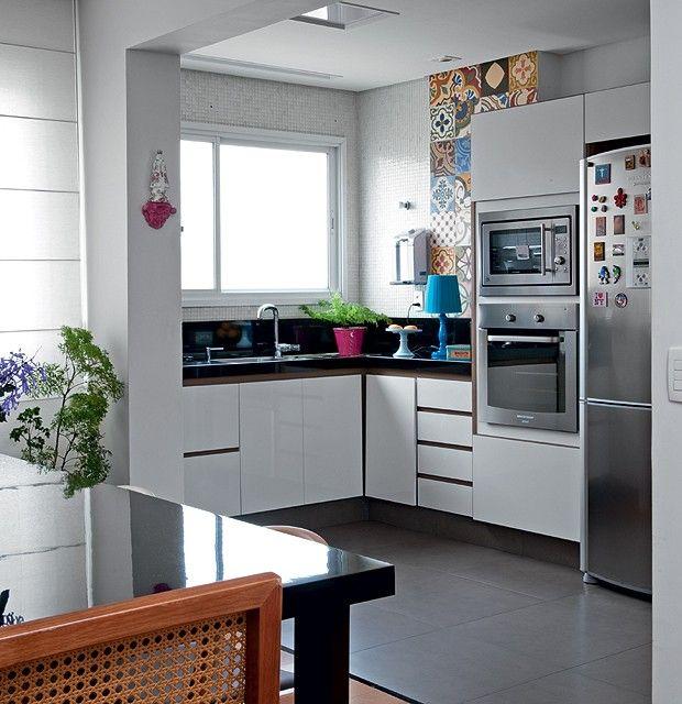 Sala De Jantar Na Cozinha ~ de madeira, da sala de jantar, e cerâmico Na cozinha, as placas de