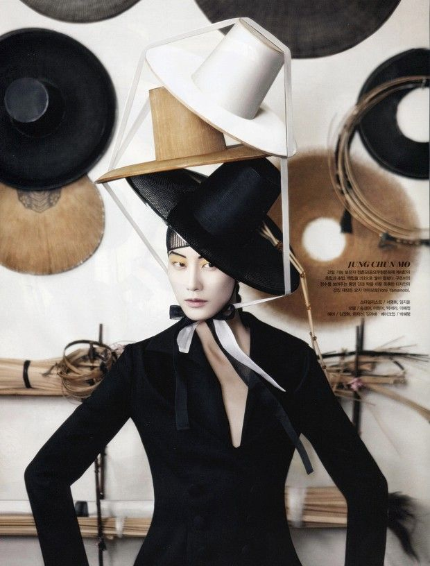 Vogue Coréia Agosto 2013 | Lee Hyun-Yi, Lee Hye-Jung e mais por Kang Hyea-Won
