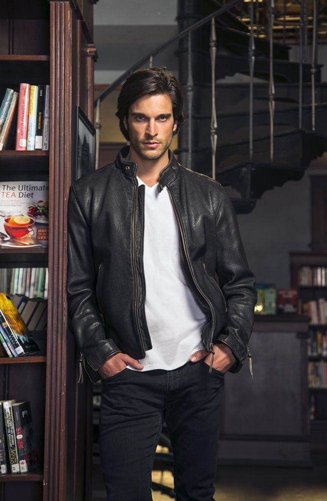 Daniel DiTomasso - Killian in witches of east end