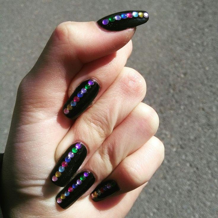 black nails with rainbow stones