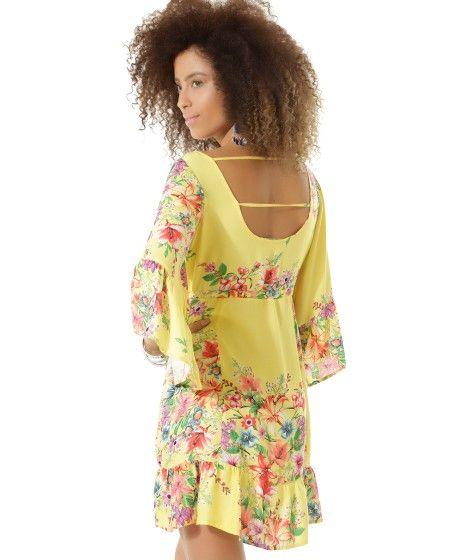 Vestido desenvolvido em tecido plano leve. A padronagem é formada por mix de flores. O recorte com cordão para amarração acintura à peça. A modelagem tem caimento soltinho e o decote arredondado. As mangas longas tem detalhe de franzidos.   Esse vestido é ideal para arrasar em qualquer ocasião.   Composição: 100% Viscose  Modelo Veste: P  Altura: 1,77m Busto: 88cm Cintura: 63cm Quadril: 90cm