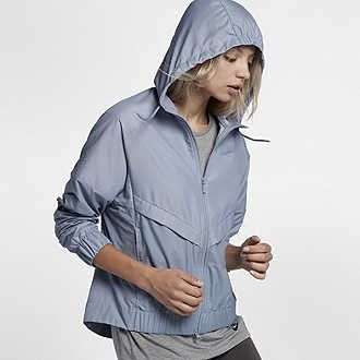 Find the Nike AeroShield Women's Running Jacket at Nike.com. Enjoy free shipping and returns with NikePlus.
