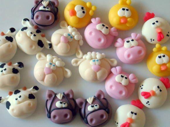 Aplique Bichinhos Fazenda esculpida em biscuit.  Ideal para colar em latinhas, tampas de potes, saquinhos, etc!!! R$ 1,99