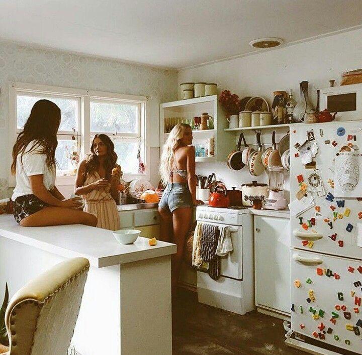 """Haciendonos pendejas en la cocina intentando hacer algo """"decente"""""""