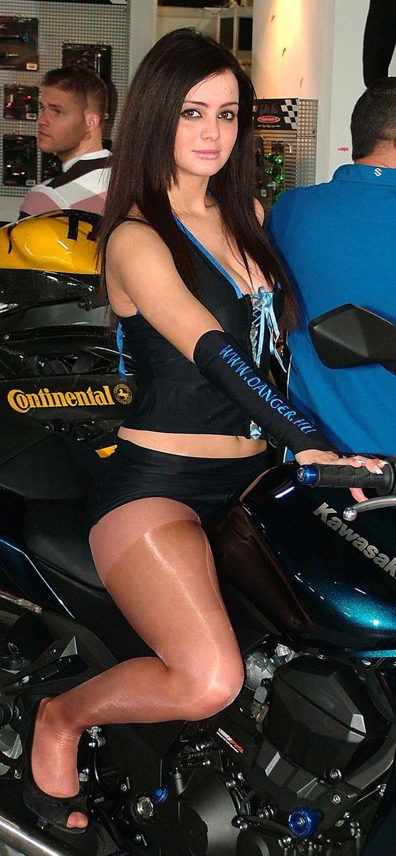 Shiny pantyhose biker chick.   Gridgirls   Pinterest   Biker Chick and ...: www.pinterest.com/pin/463448617875058610