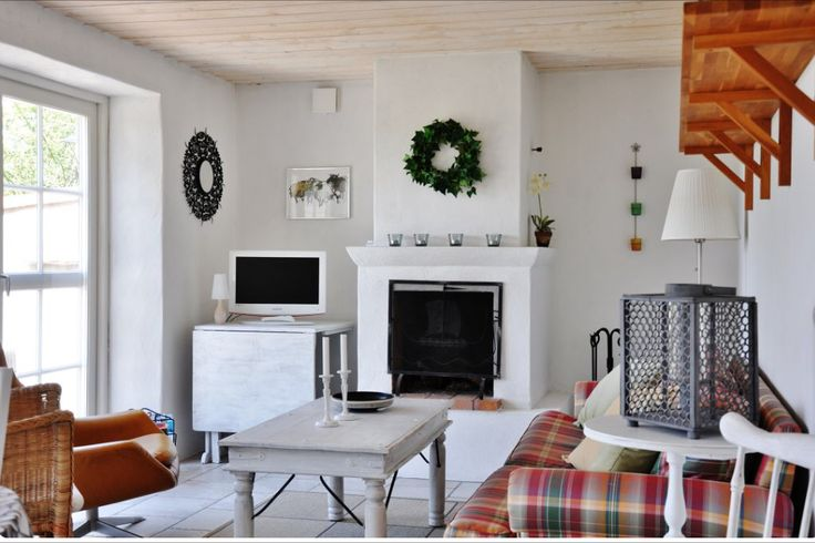 #Forsale #Gotland #HomebyDean #interiordesign #interior #homedecorating #heminredning #inredning #golfbana #Västergarn #lounge #fireplace