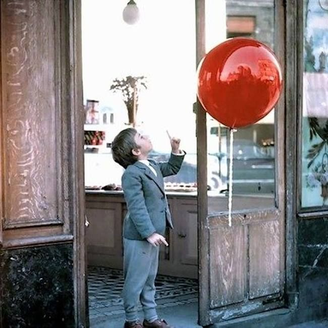 The Red Balloon Le Ballon Rouge 1956 Rotten Tomatoes 650x650