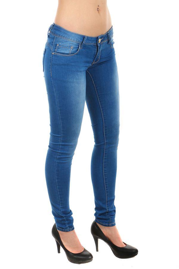 Dámské džíny s nízkým sedem - koupit online na Glara.cz  glara  fashion   džíny  dziny  dámskédžíny  damskedziny  jeans  rifle  dámskéjeans   damskejeans ... cb217e7d5f
