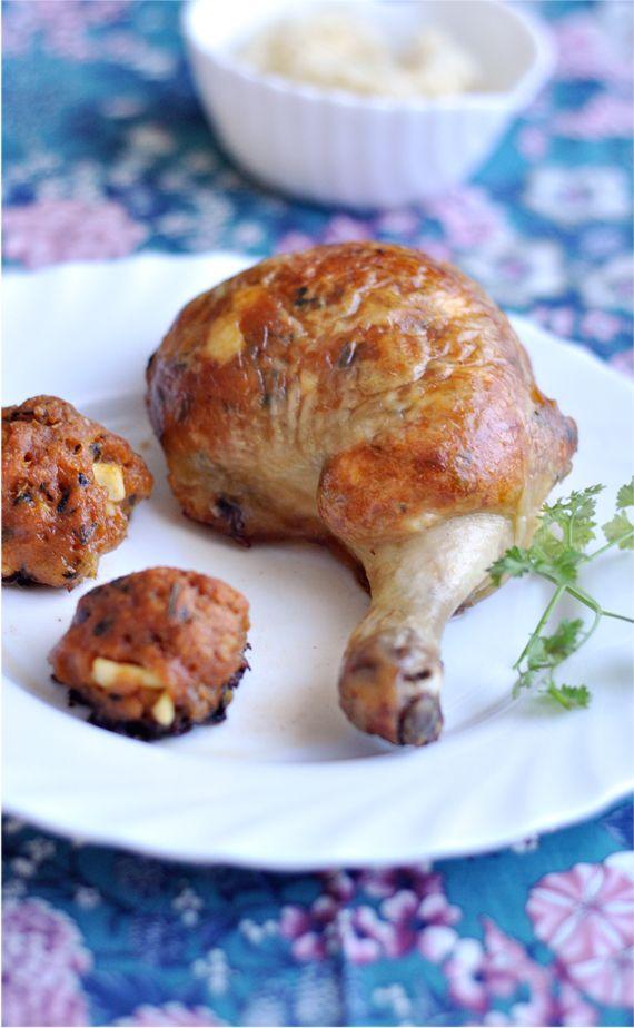 Ünnepekre, vagy csak simán hétvégére. Anyukám receptje. Nyilván, mivel nagyon jó. Azon ritka csirkecombból készült ételek egyike, ami még másnap is...