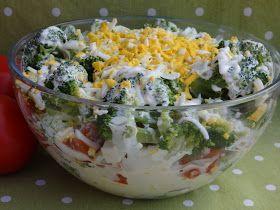 Sałatek z brokułem u mnie nigdy dość. Brokuły łączę z wieloma składnikami. A to moja kolejna pyszna kompozycja z tym warzywkiem. składniki...