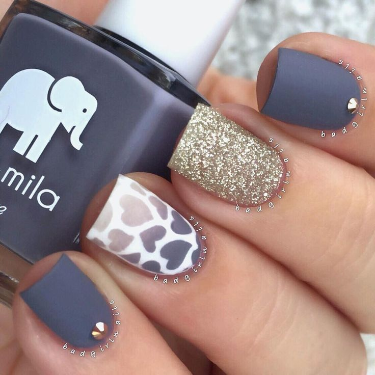 """« The matte obsession continues Fresh mani featuring @ellamilapolish """"Mauve Over"""". I used a stencil from @whatsupnails for the gradient hearts, and the… »"""
