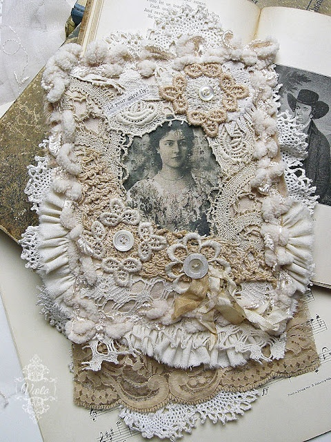 fabric collage: Chic Inspiration, Shabby Chic, Collagesmix Media, Lace Frames, Crafts Idea, Spirit Flying, Chic Crafts, Crochet Sewing Quilts, Fabrics Collage