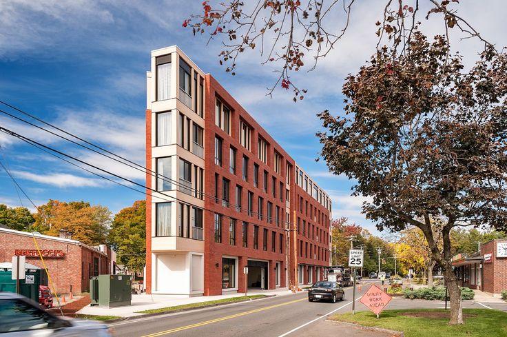 Kendrick Place/Holst Architecture +DiMella Shaffer.Amherst,MA,US проект включает в себя 36 современных квартир, офисные и технические помещения на 1 эт., и парковку ZipCar car share.