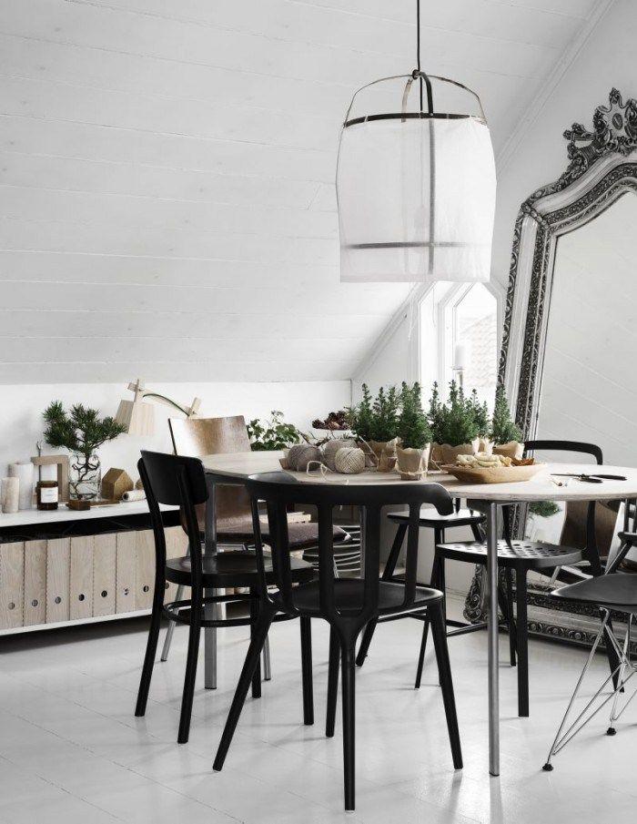 The Chirstmas home of Per Olav Sølvberg - via cocolapinedesign.com