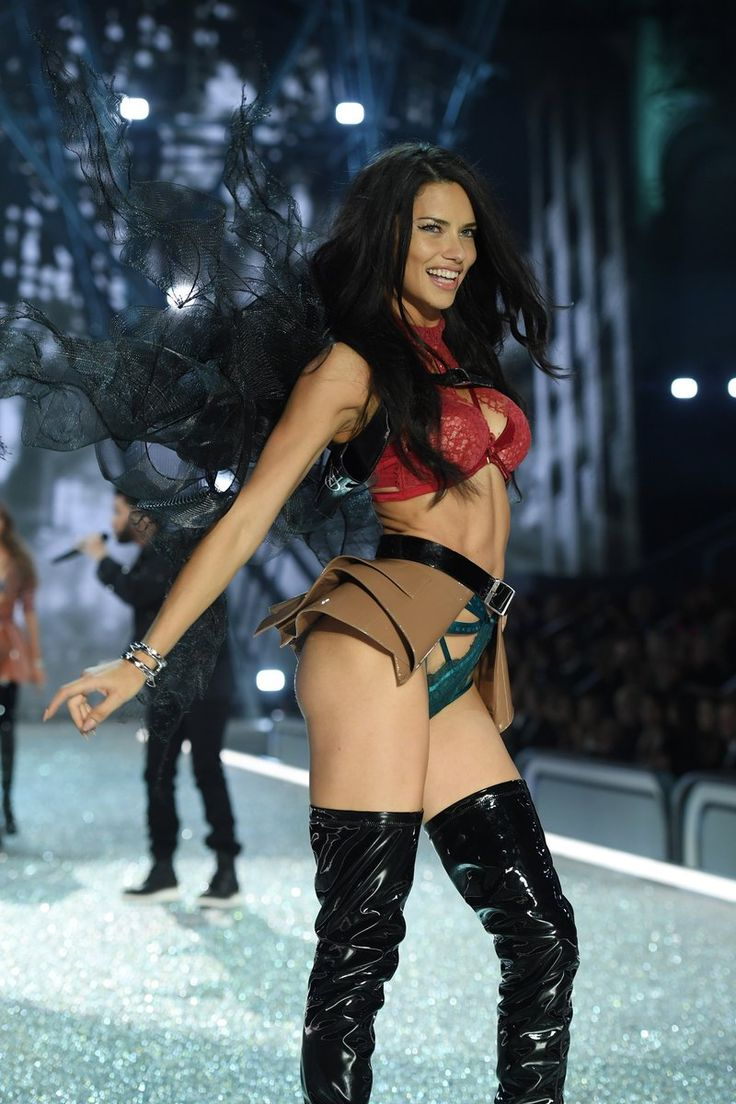 The 2016 Victoria's Secret Fashion Show | Fab Fashion Fix