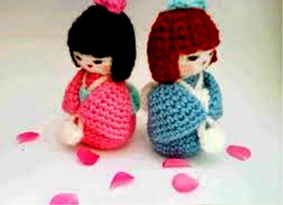 Amigurumi Doll Gratuit : 38 best kokeshi images on pinterest kokeshi dolls free pattern