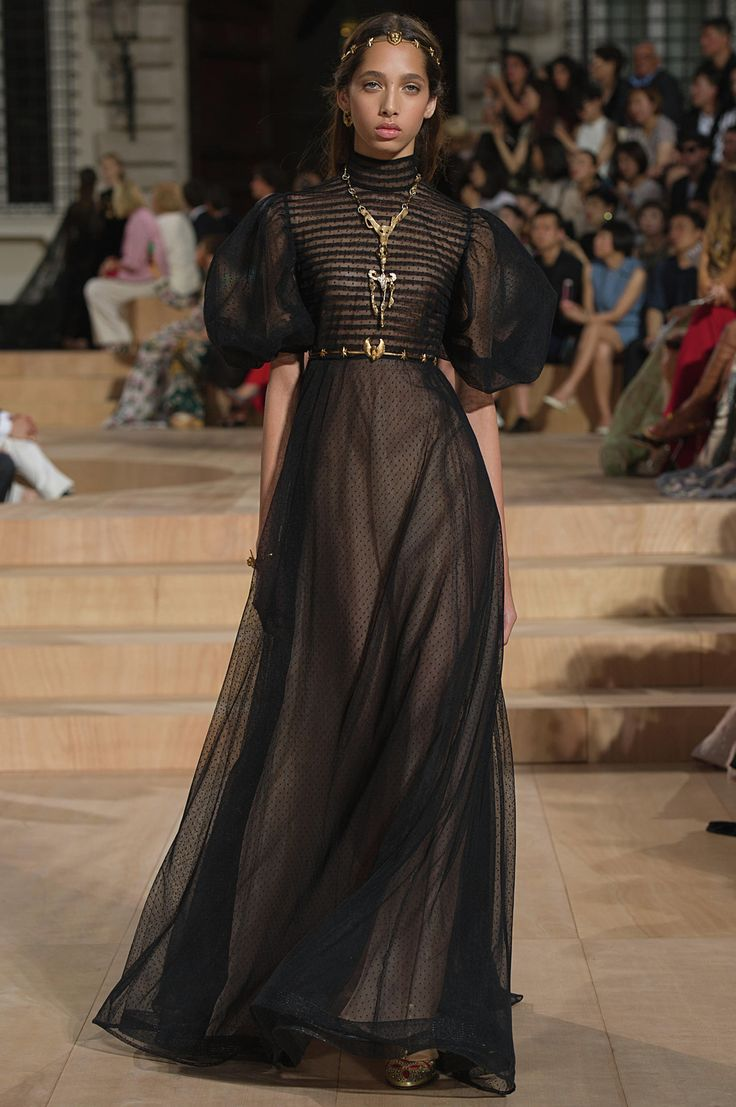 503 Best Magic Fashion Images On Pinterest Character Design The Atasan Raya Beige Shop At Velvet Valentino Fall Winter 2015 2016 Show