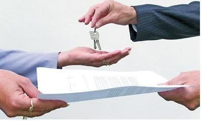 Imagine a seguinte situação hipotética: Você é proprietário de um apartamento e contrata uma empresa administradora de imóveis para que ela alugue o bem, r
