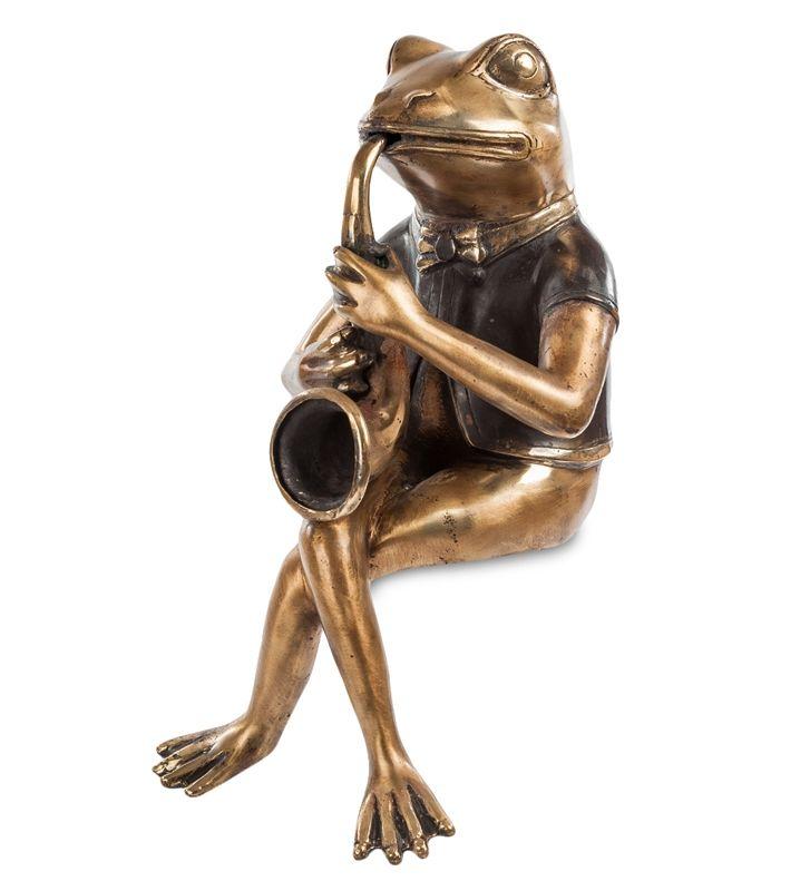 Фигурка «Лягушка с саксофоном» 43-031 (бронза, о. Бали)   Бренд: Perunggu & Emas Nasional (Индонезия);    Страна производства: Индонезия;   Материал: Бронза;   Длина: 18 см;   Ширина: 23 см;   Высота: 35 см;   Вес: 1,8 кг;          #statuette #figurine #bronze #Indonesia #статуэтка #фигурка #бронза #Индонезия