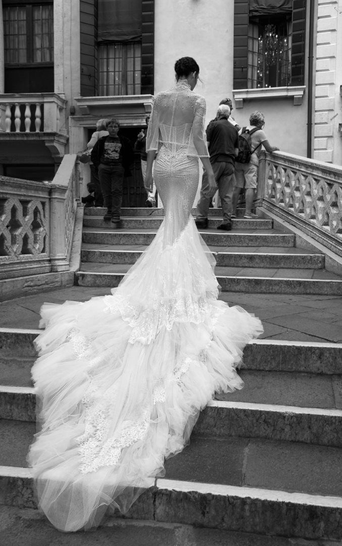 Simple Inbal Dror Wedding Dress Collection We ure starting off with a furious flurry of wedding dress fabulosity bringing you yet another dose of