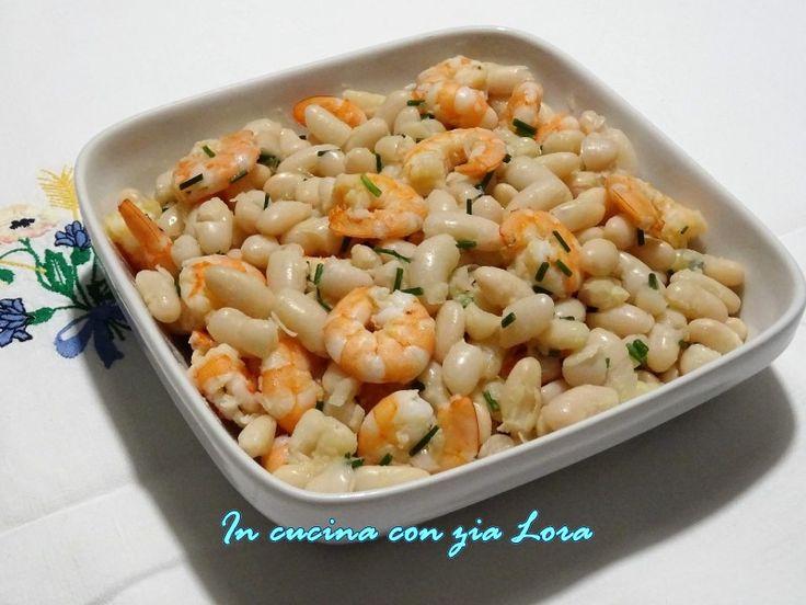 Una insalata di fagioli cannellini e mazzancolle può essere un piatto più o meno veloce: se si usano fagioli in scatola e mazzancolle precotte