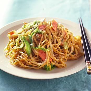 ハムとレタスの焼きそば   渡辺有子さんの焼きそばの料理レシピ   プロの簡単料理レシピはレタスクラブニュース