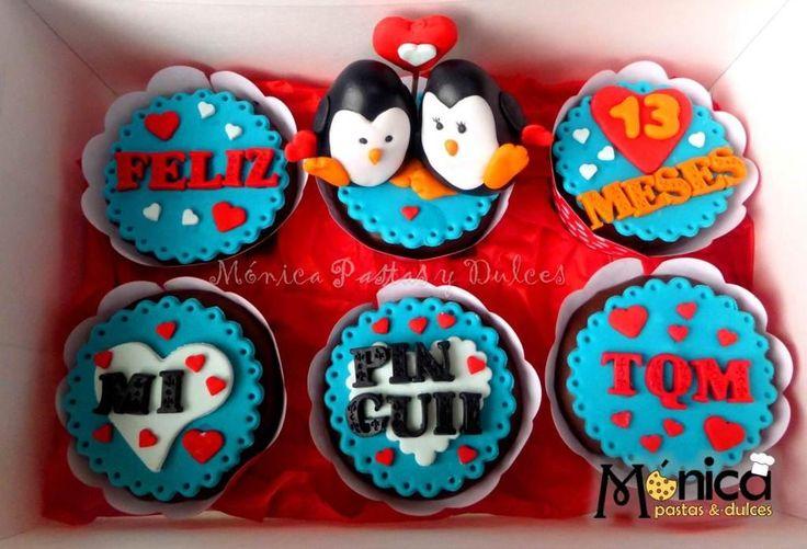 cupcakes con mensajes con pinguinos , con detalles unicos en ella, elaborado por MONICA PASTAS Y DULCES