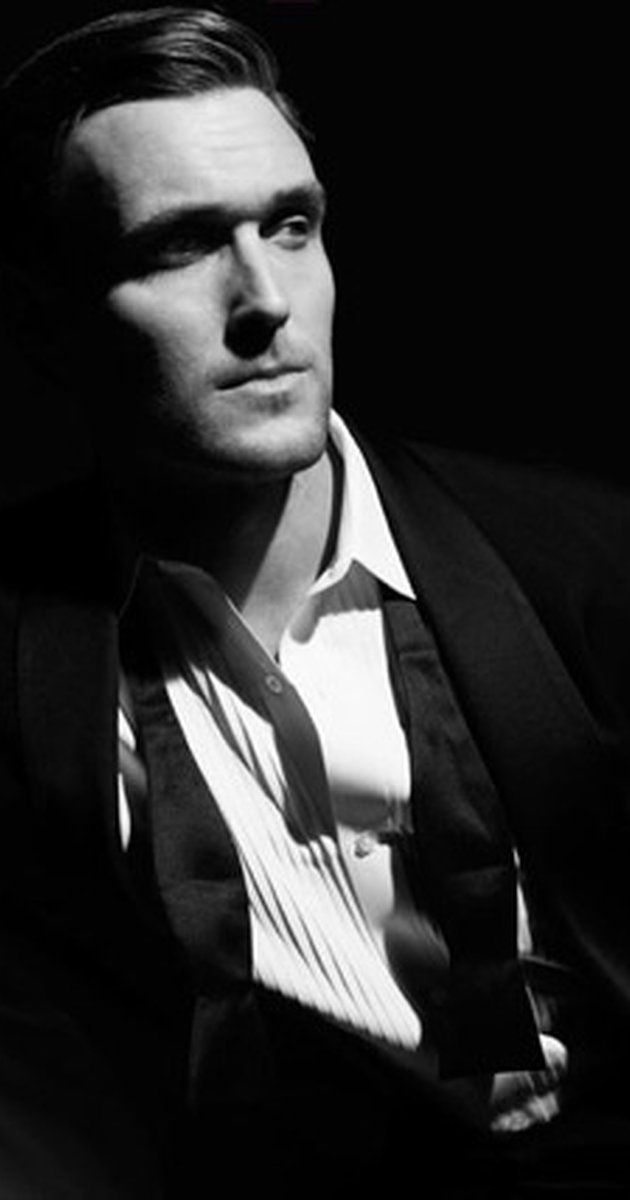 Owain Yeoman, Actor: The Mentalist. Owain Sebastian Yeoman is a Welsh actor born in Oxford, UK to parents Michael and Hilary Yeoman. He has one sister Ailsa. An honors English graduate of Brasenose College (1996-99), Oxford University Owain also graduated from the prestigious Royal Academy of Dramatic Arts (RADA) in London with the distinction of being The Henry Marshall Shield Winner.(2003) His First audition was for the Warner ...