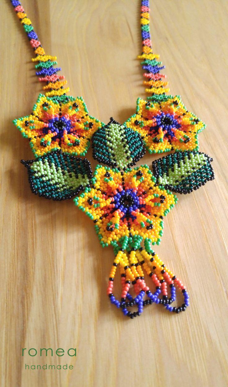 Collares Huichol Diseño con 3 Flores Romea por RomeaAccessories