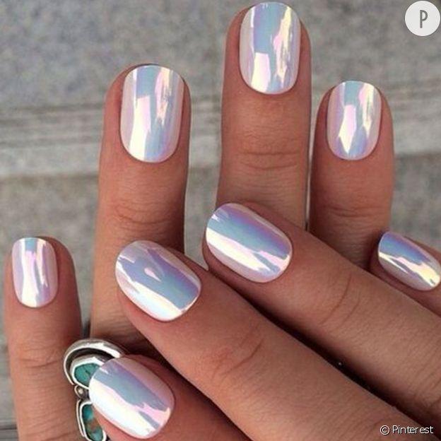 .Les plus belles manucures miroir repérées sur Pinterest