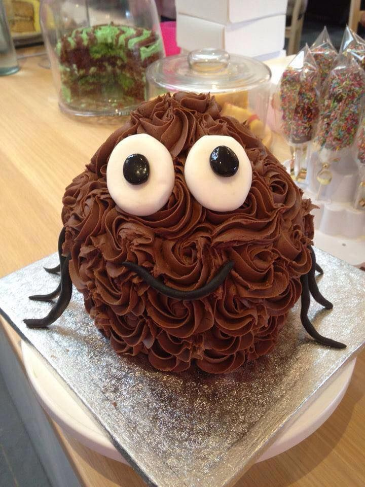 30 best Giant Cupcakes images on Pinterest | Giant cupcakes ...
