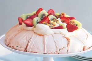 Vanilla and fresh fruit pavlova