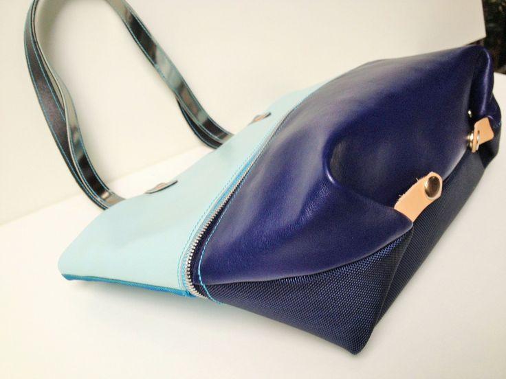 Zip Up bag vízkék-sötétkés www.levaryshop.com