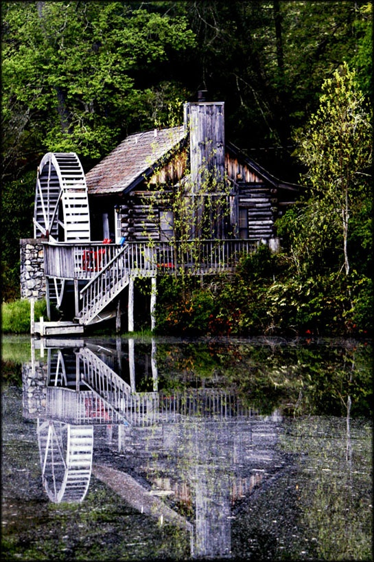 Cashiers North Carolina  We stayed in this cabin for our honeymoon!!!!