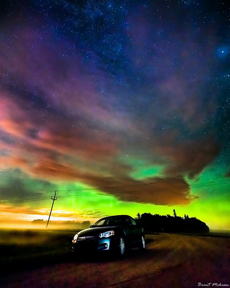Twilight Zone. . Northern lights Manitoba... Canada