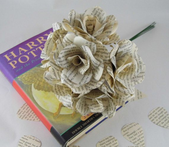 Or opt for recycled book These bouquets to keep your favorite scenes close to heart.