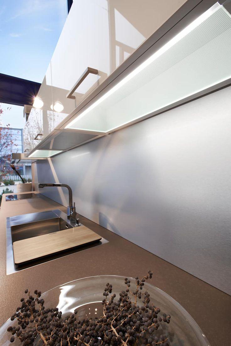 Einbauküche Bilder: MODERN