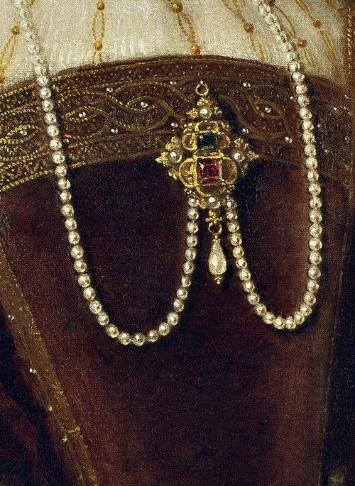 Long Pearl necklace with jeweled pendant pin.....Isabel de Portugal (details) 1548 -Tiziano