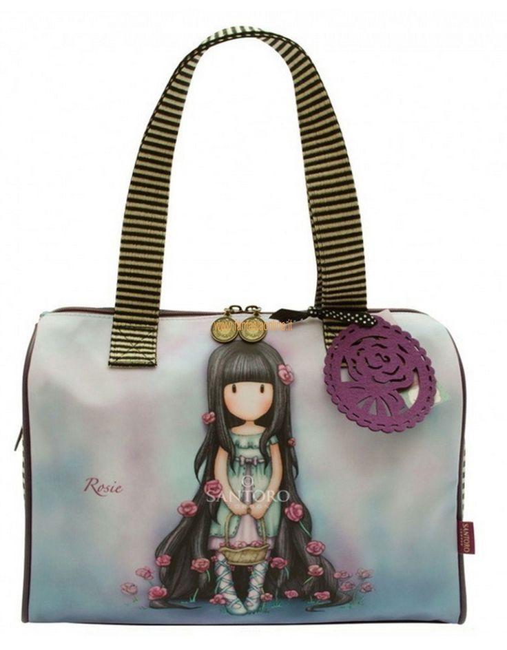 """Questa borsa con manici è davvero deliziosa. Con il suo formato""""pocket""""può essere utilizzata tranquillamente come bauletto e borsa da+città. Un gioiello+di+borsa+ammirata+da+tutte+le+donne:+pratica+e+versatile+la+puoi+utilizzare+in+città+e+pre+gite+fuori+porta.+Sfiziosa+Rosie+o+nella+variante+The+Secret,+è+capiente+senza+essere+ingombrante,+questo+bauletto+sembra+fatto+apposta+per+noi+donne+e+mamme.+Tanto+spazio+a+disposizione+s"""