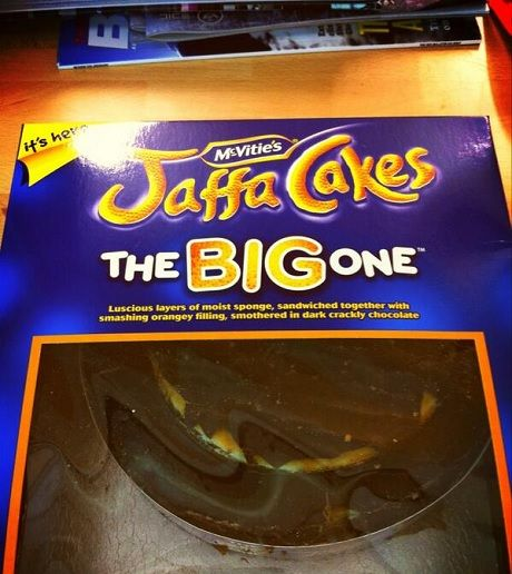 "TableCrowd 'Top 5 #Foodie #Tweets Of The Week!'   ""This is really happening. Right now. #giantjaffa pic.twitter.com/PunPjSnLuG"" @Emerald Street, 11/04/13"