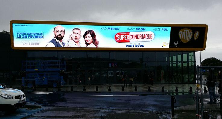 Installation écran OUTDOOR au cinéma Pathé Gaumont à Plan de Campagne