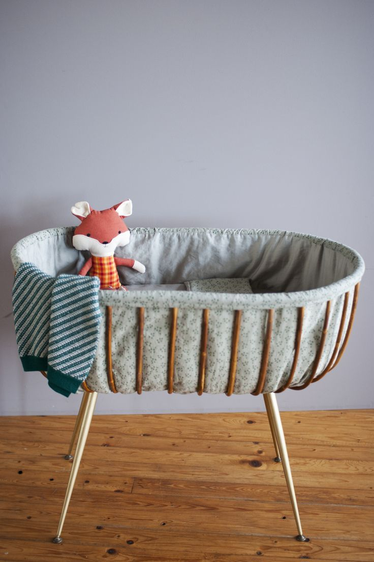 So cute! I don't usually like Moses baskets but this is lovely. My babies never slept in one but I'd like to have this just for clean washing!